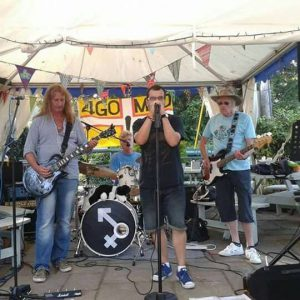 Four Go Mad live music at the Turfcutters Arms